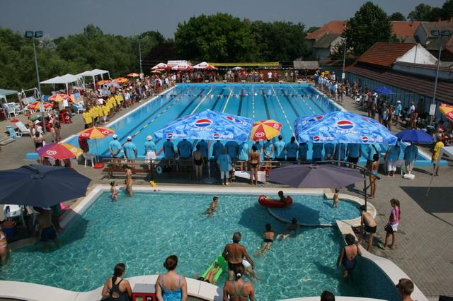 IV. Tótkomlósi Országos Szenior Úszóverseny fényképei